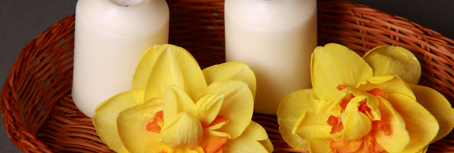 Two scented candles that can help you get rid of stress.